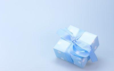 Krem czy czekoladki? Jaki będzie idealny prezent dla dziewczyny?